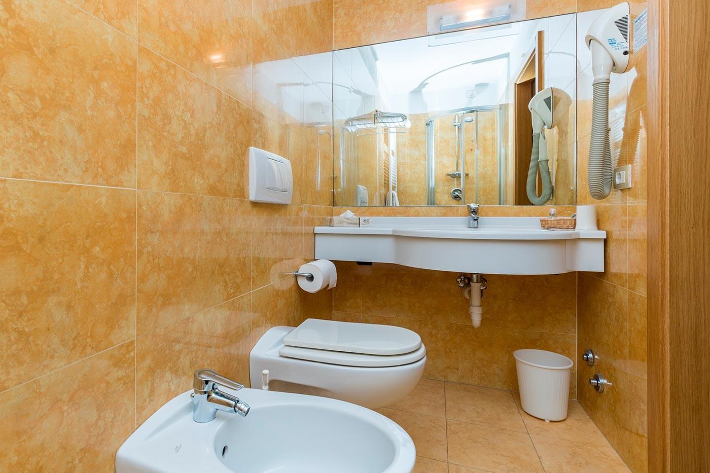 Bagno della camera singola Hotel Caminetto