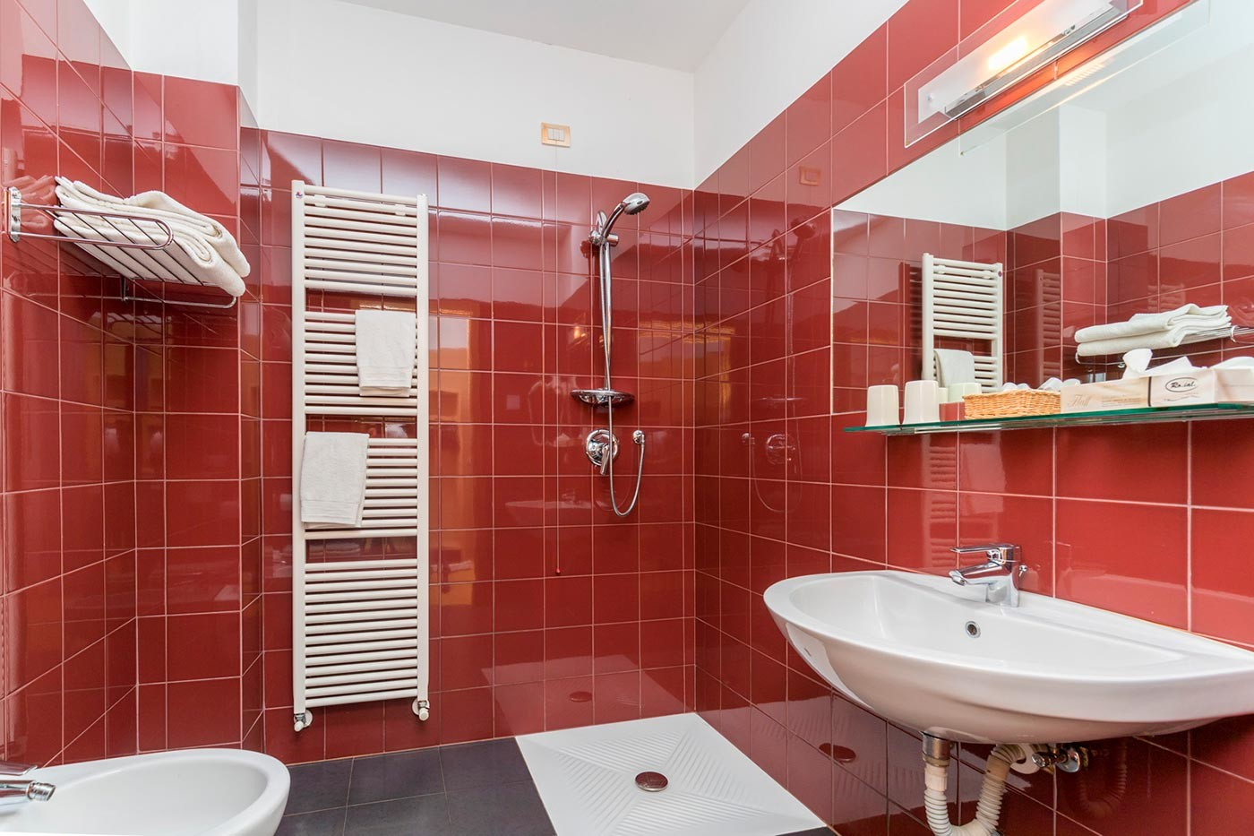 Bagno camera tripla Hotel Caminetto