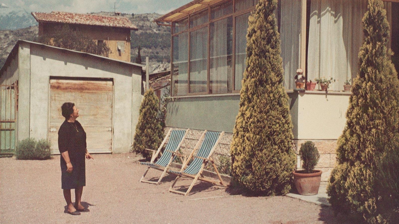 Foto storica del giardino dell'hotel Caminetto di Torbole